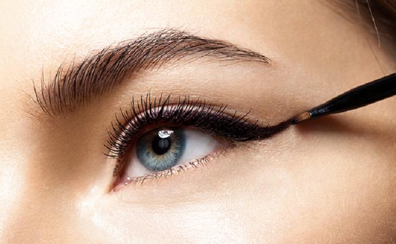 Mengenal Eyeliner Lebih Dekat