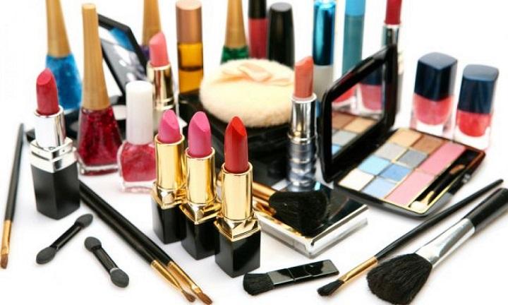 Tips Memilih Kosmetik Yang Tepat