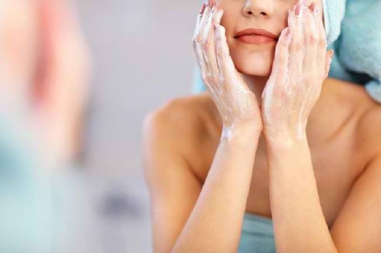 Tips & Cara Merawat Kulit Wajah di Pagi Hari