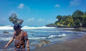 4-Pantai-Madasari